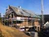 Straßenseite fast fertig, inklusive Dachflächenfenster 5, 6, 7 und 8. 26.8.2011, 9:00 Uhr.